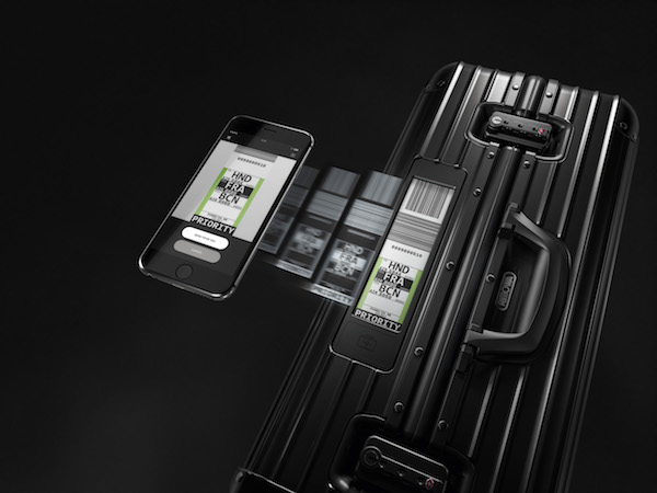 RIMOWA Luggages _Topas_Stealth_Smartphone