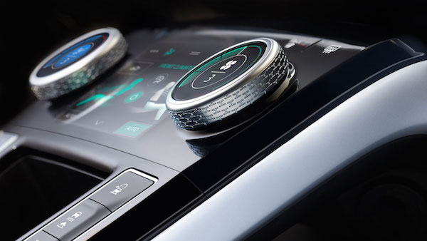 Jaguar I-PACE Concept - Console Zoom