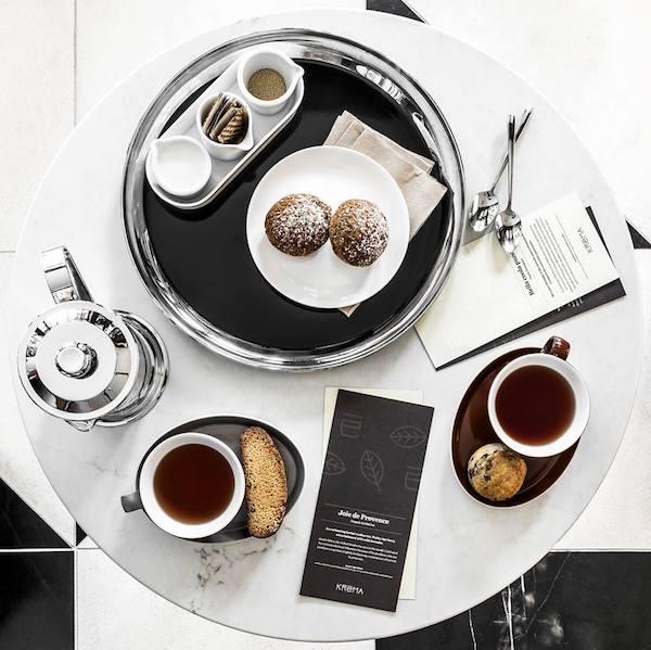 Kréma Café - Service du thé