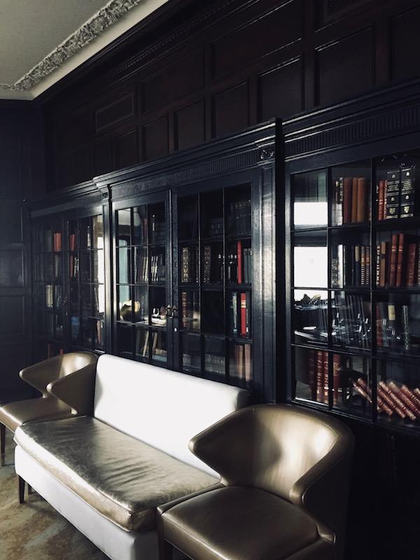 Quebec City - Fairmont Le Château Frontenac - Le Champlain - Library