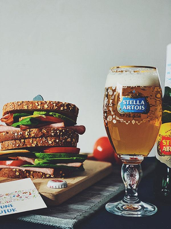 Versez-en une pour le futur de Stella Artois - verre