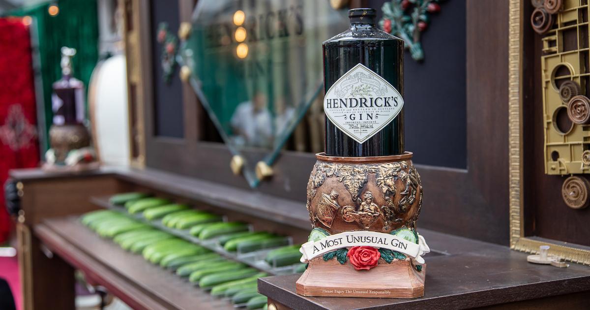 Hendrick's Gin Awevanair - Cover