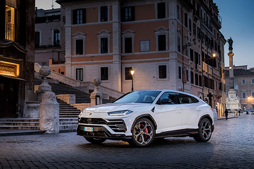 Lamborghini Urus dans le Magazine Gentologie des Fêtes 2019