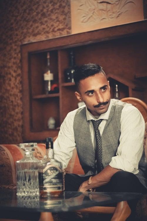Les types de moustaches: Moustache Guidon