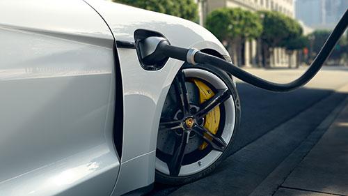 Porsche Taycan - Recharge