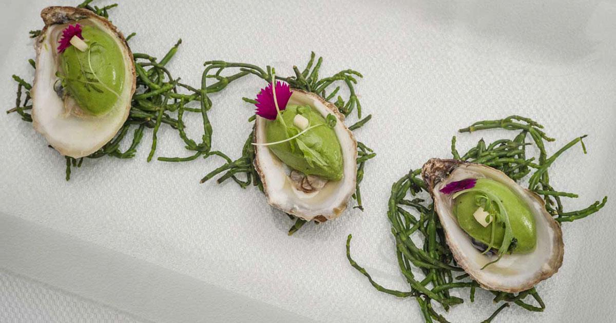 Huîtres, mignonnette, cresson et caviar d'Acadie par Gregory Faye - couverture