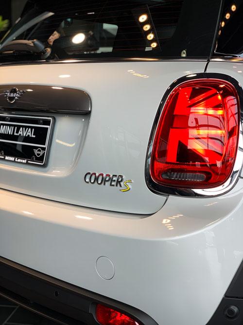 The MINI Cooper SE - Back