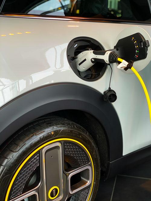 The MINI Cooper SE - Charging