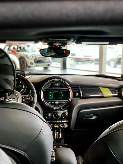 The MINI Cooper SE - Console