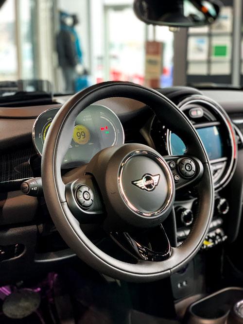 The MINI Cooper SE - steering wheel