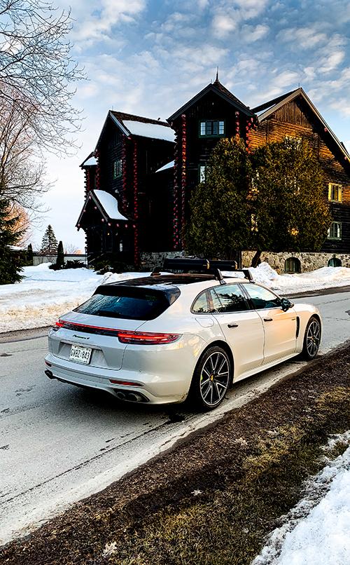 Porsche-Panamera-4 E-Hybrid---Fairmont-Le Château - Montebello