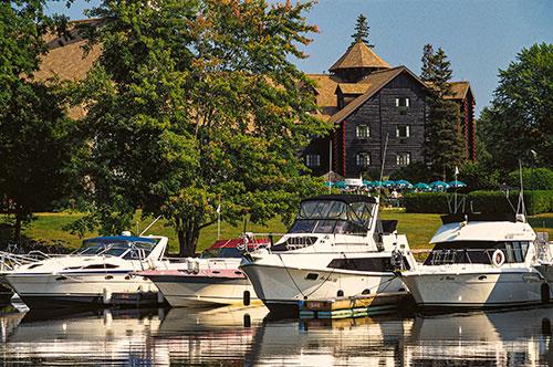 Fairmont-Le-Chateau-Montebello----Boats at the Marina