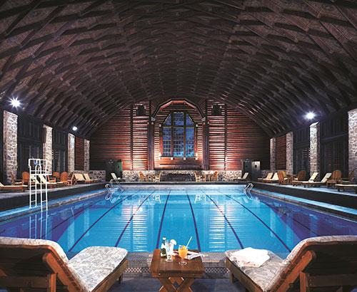 Fairmont-Le-Chateau-Montebello----Pool