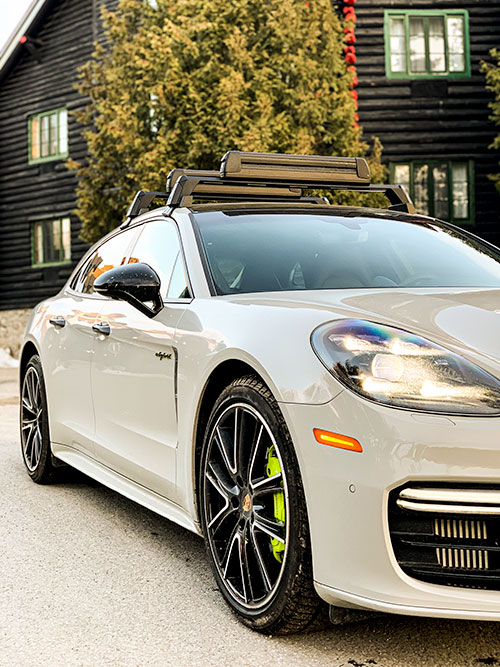 Fairmont-Le-Chateau-Montebello-----Porsche Panamera