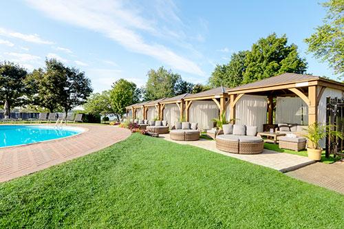 Fairmont-Le-Chateau-Montebello----The Cabana