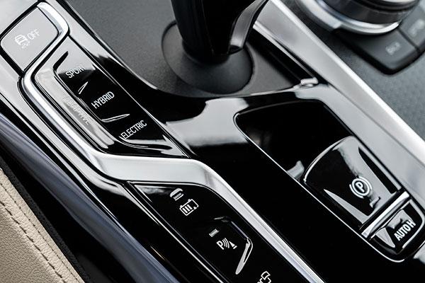 BMW-Série-5-console-de-vitesse