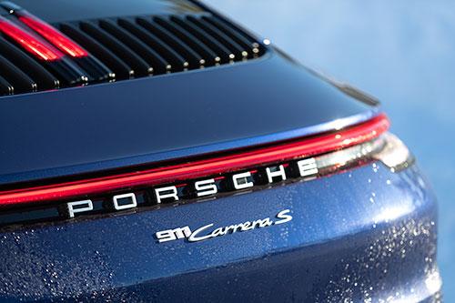 La-Porsche-Ice-Experience-911-Carrera-S