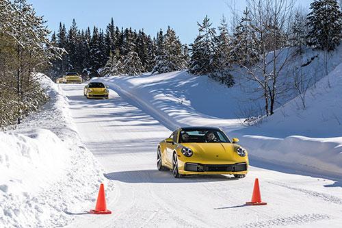 La-Porsche-Ice-Experience-Les-911-Jaunes
