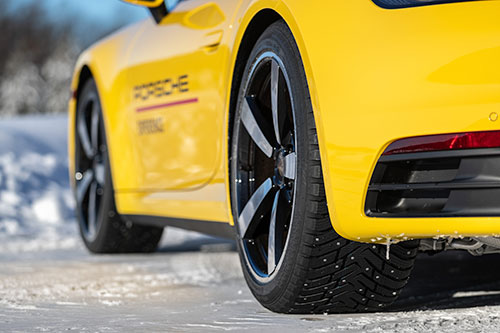Porsche-Ice-Experience-911-Ice