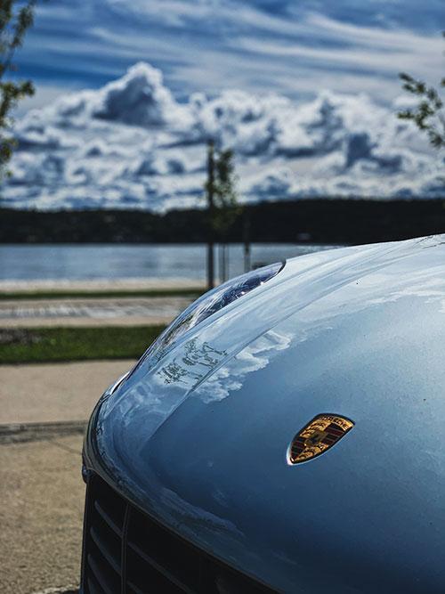 Porsche-Macan-Turbo-Clouds