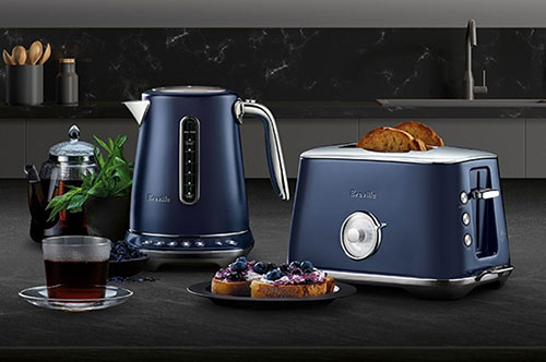The-Smart-Kettle-Luxe-and-The-Toast-Select-Luxe-Damson-Blue
