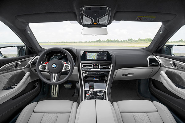 BMW-M8-Competition-Gran-Coupe---Dashboard