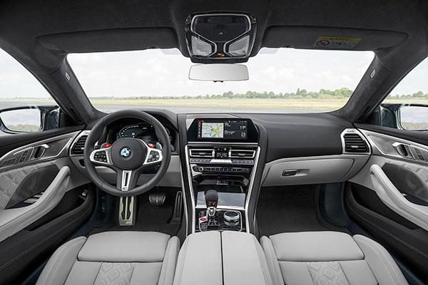 BMW-M8-Competition-Gran-Coupe---Tableau-de-bord