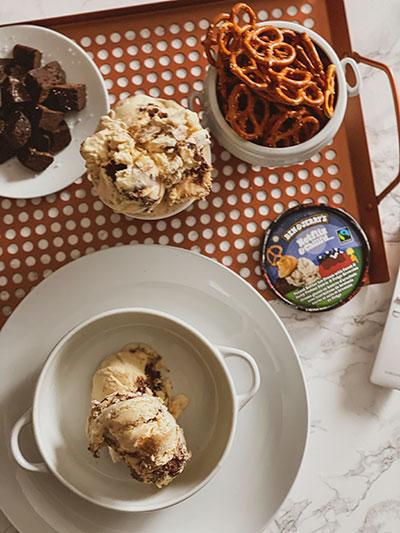 Netflix & Chilll'd ice Cream - Flatlay
