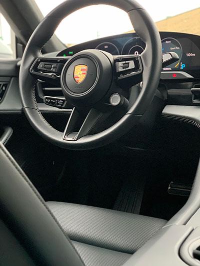 Porsche-Taycan---Intérieur