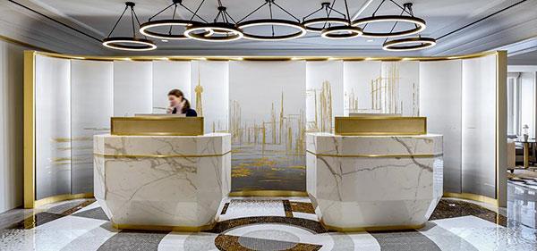 Fairmont-Royal-York---Fairmont-Gold-Lobby