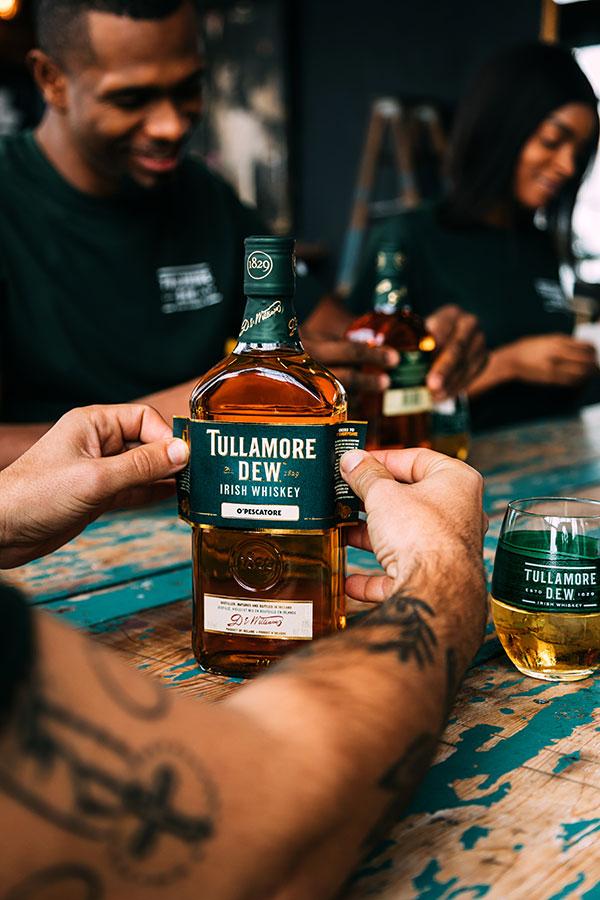 Tullamore D.E.W. ---Saint-Patrick---Bouteille+Etiquette
