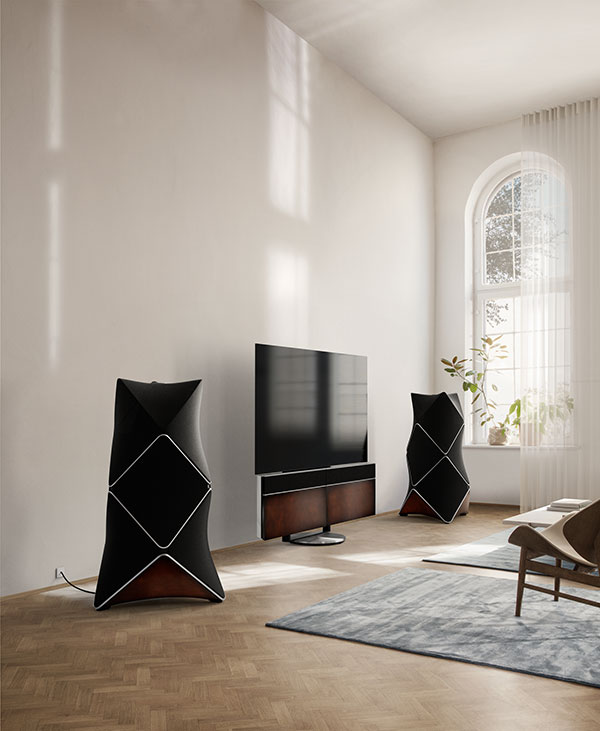 Beolab-90-and-Beolab-Harmony-by-Berluti-and-Bang-Olufsen---living-room