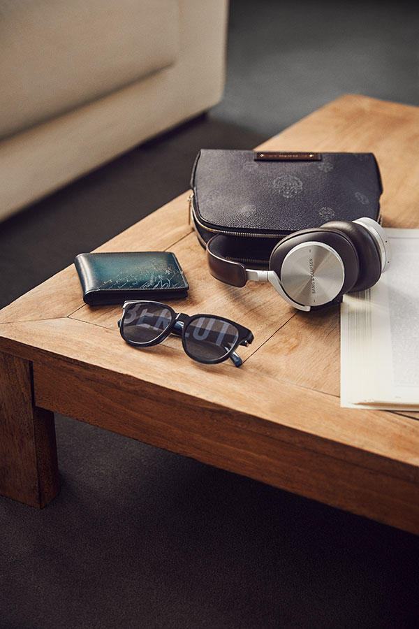Beoplay-H95-by-Berluti-and-Bang-Olufsen---table - Everything for a luxurious Father's Day