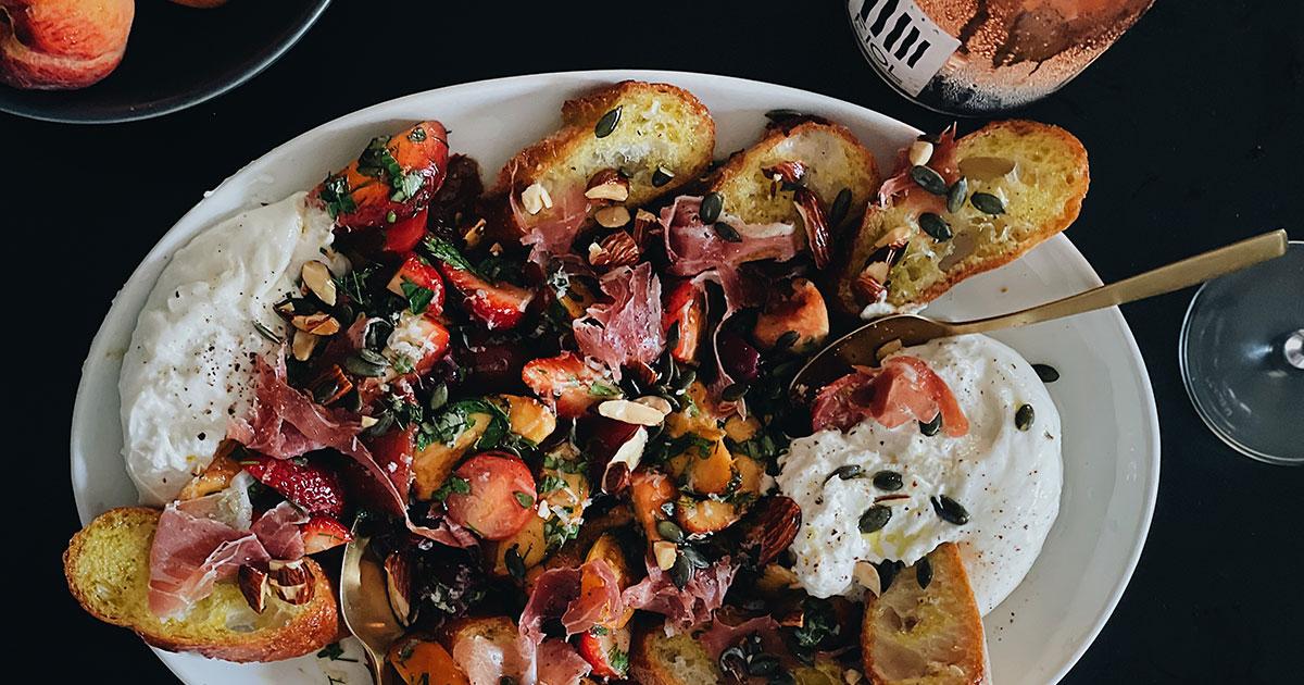 Peaches-strawberries-tomatoes-and-burrata-salad---cover