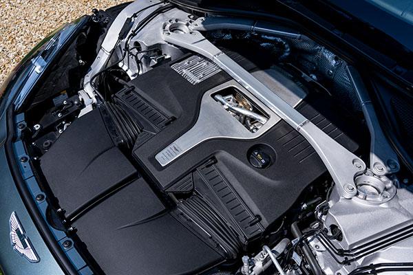 Aston-Martin-DBX---Engine