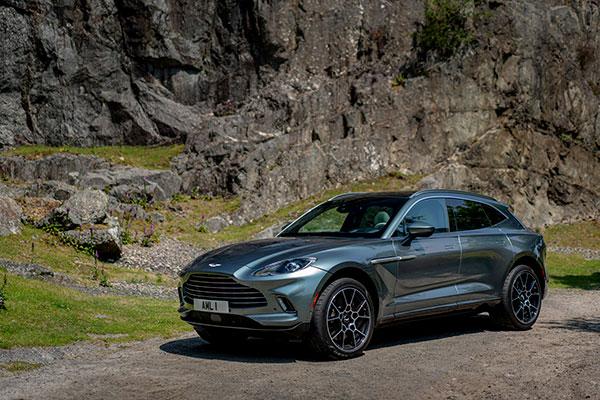 Aston-Martin-DBX---Front