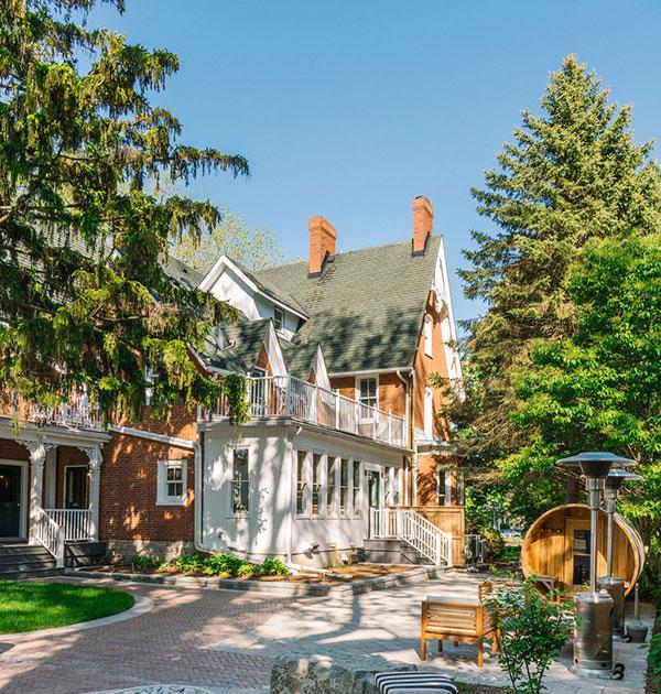 Merrill-House---Backyard